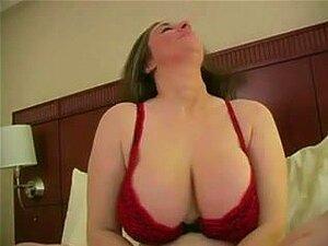 Nackte Mexikanerin fingert sich selbst