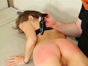 Schmerzhafte erste Anal Bondage