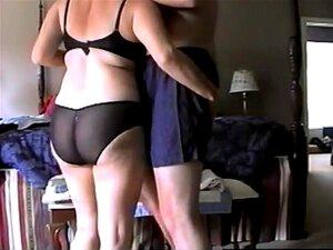 Frau spricht schmutzig Cuckold