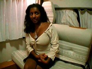 Zeige mir indische Frauen nackt