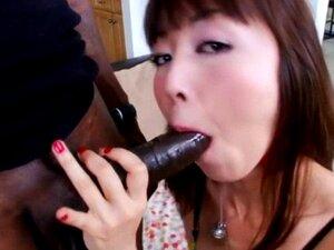 Jap Girl Marica Hase spielt sich selbst und wird dann von einem schwarzen Schwanz geknallt