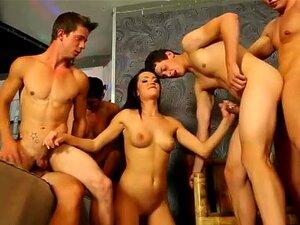 Bisexuell Männlich Orgie Zug