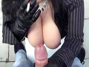 Saugen riesige schwarze Brüste