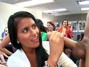 Latina Großer Schwanz Blowjob