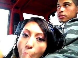 Ebenholz Blowjob während des Fahrens